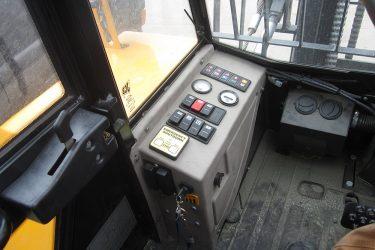 JCB 950 Forklift Dash Control Installation