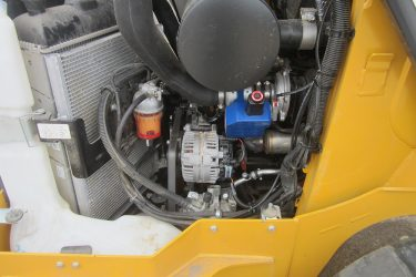 John Deere 323E Skidsteer Valve Installation Engine View